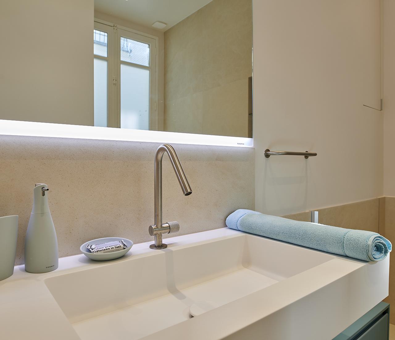 paris-6_bathroom_5