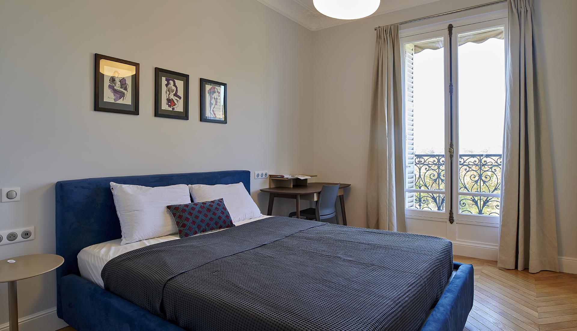 paris-6_bedroom_2