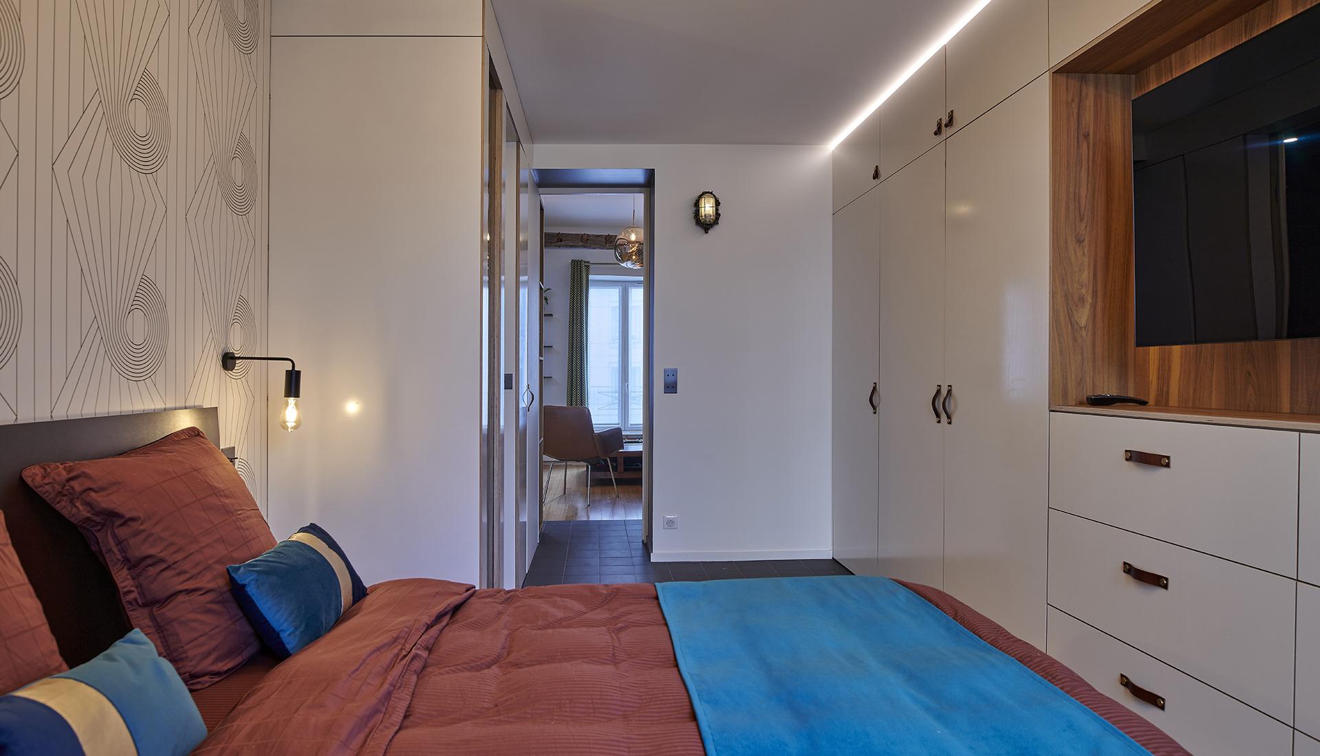paris-19_bedroom_2