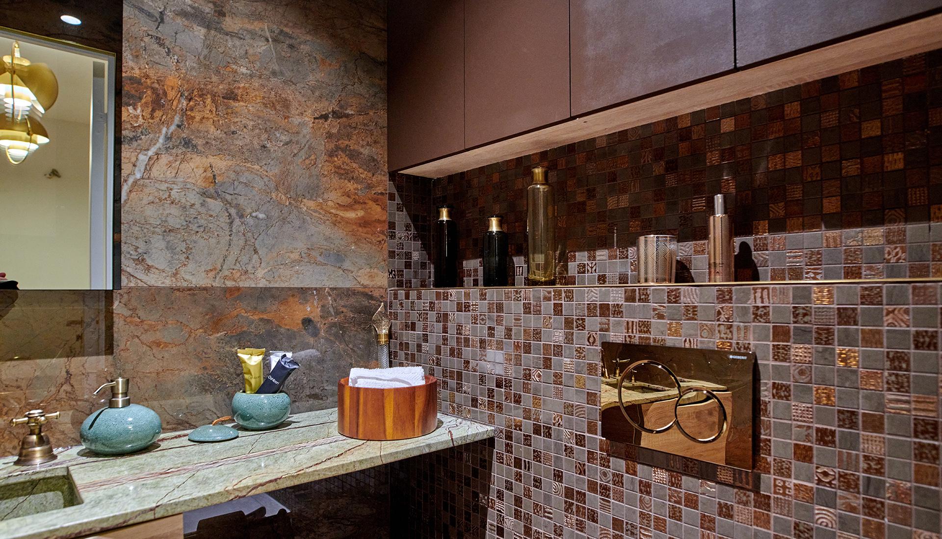 paris-16-2_restroom_1